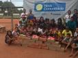Projeto Comunitário Tênis Para Todos faz doação de tênis novos para crianças carentes