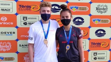 Destaques do beach tennis juvenil são campeões em Mogi das Cruzes