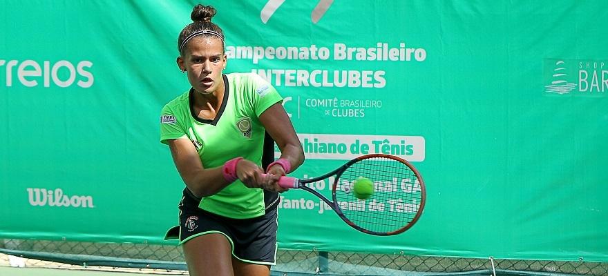 Tenistas de 7 estados lutam por vaga nas finais da Copa Bahiano de Tênis