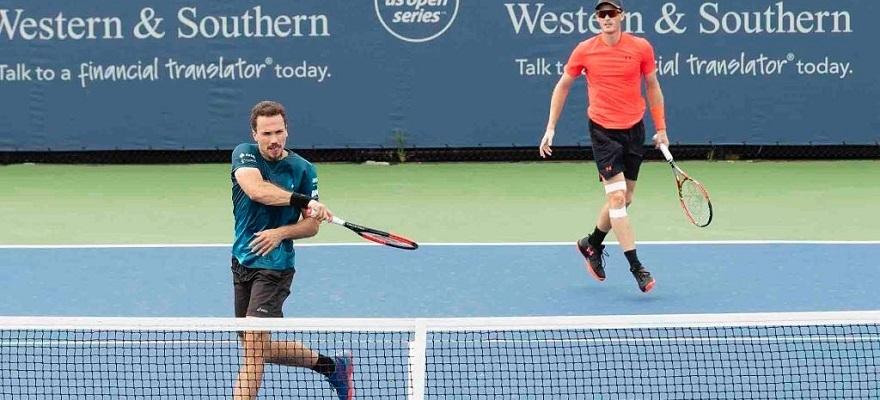 Soares e Murray avançam à semi do Masters 1000 de Xangai