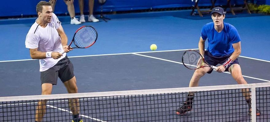 Bruno Soares e Jamie Murray tentam vaga na decisão em Sydney